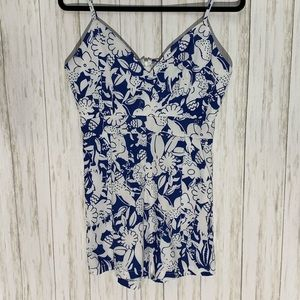 Pants - 🍀 3 for $25 Blue and White Floral Romper